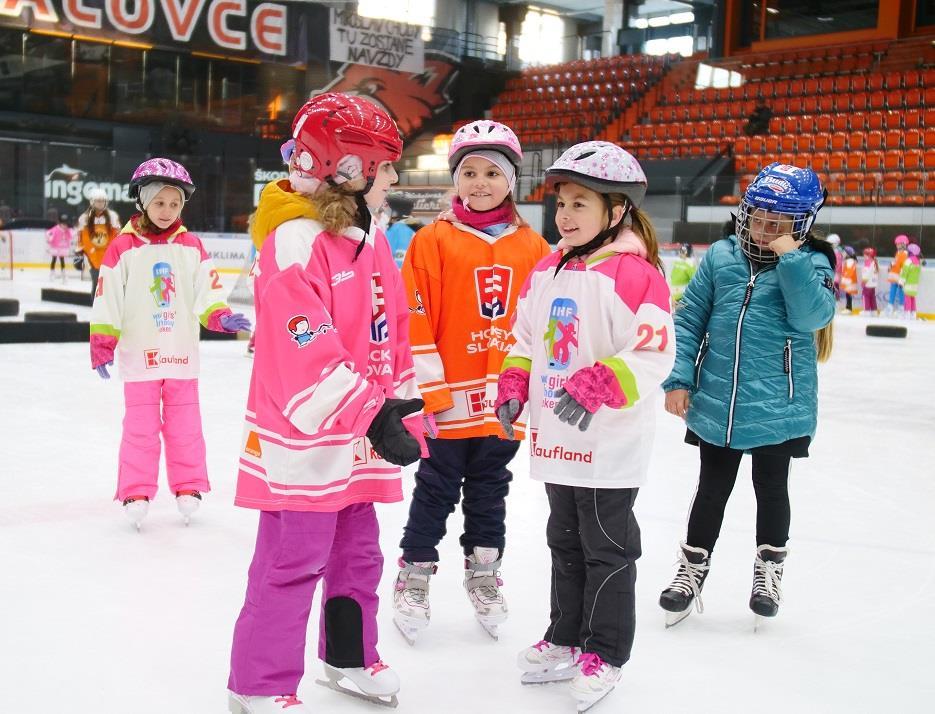 Dievčenský hokejový víkend Michalovce - FOTOGALÉRIA